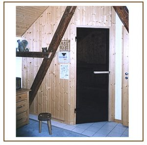 Sauna aussen, Tür geschlossen